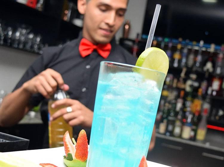 barman pokaz barmański drinki wesele atrakcje weselne