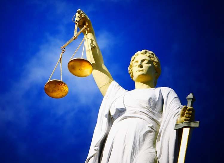 sąd prawo teściowa ciekawostki temida