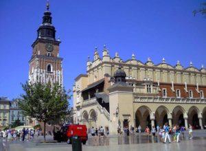 Sukiennice Kraków Polska kamienice ciekawostki Boner Palace