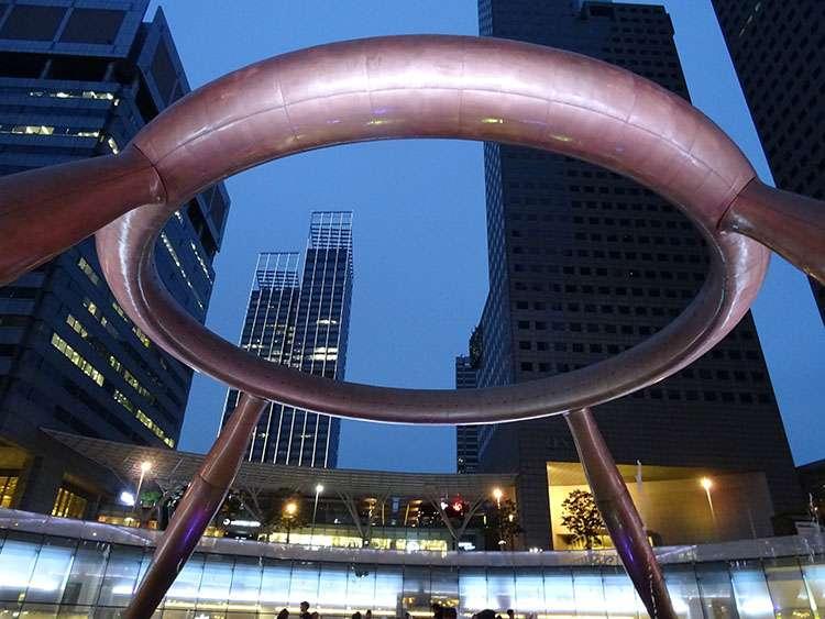 ciekawostki Singapur fontanna bogactwa Singapore