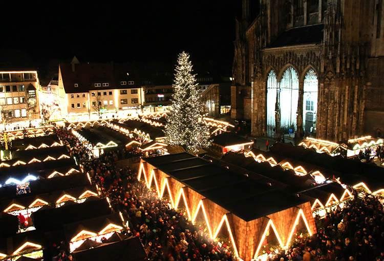 Ulm katedra jarmarki bożonarodzeniowe