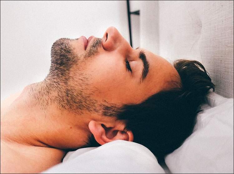 chrapanie sen bezdech senny spanie ciekawostki
