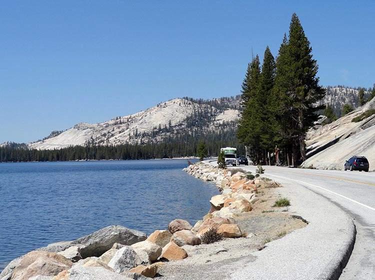 Tenaya Lake Park Narodowy Yosemite Kalifornia USA