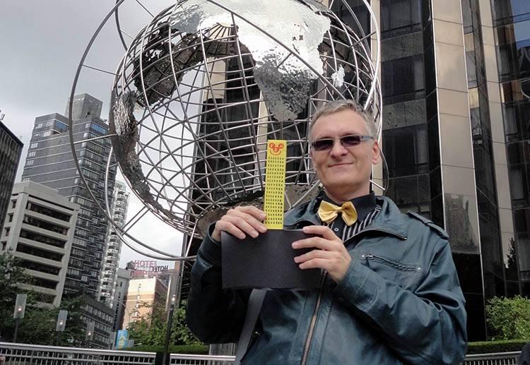 Manhattan Nowy Jork NYC wesoły wieżowiec Happy Skyscraper Columbus Circle