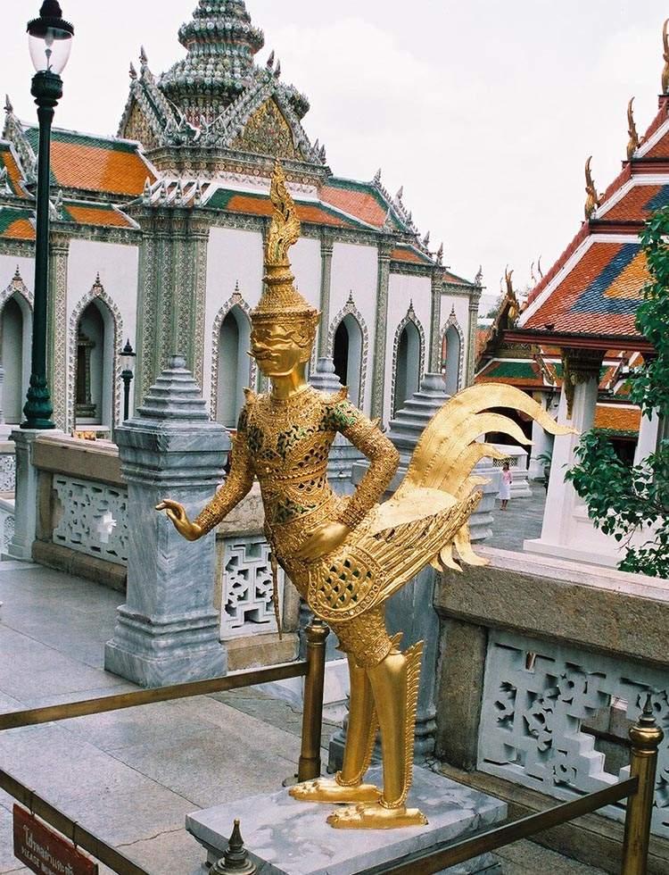 Bangkok ciekawostki Tajlandia Świątynia Szmaragdowego Buddy Wat Phra Kaew