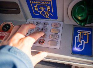pieniądz ciekawostki bankomat pieniądze banki bankomaty