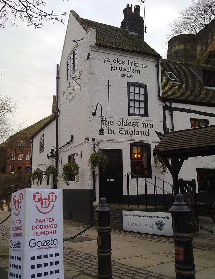 Nottingham Anglia podróże po Anglii Robin Hood najstarszy pub