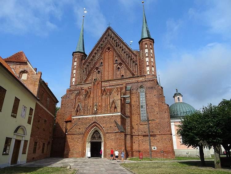 Frombork ciekawostki zamek kościół Kopernik