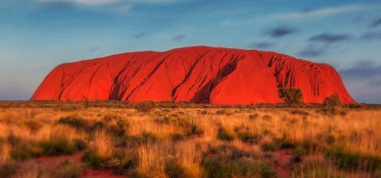 Uluru bumerang ciekawostki o bumerangu Australia Aborygeni bumerangi