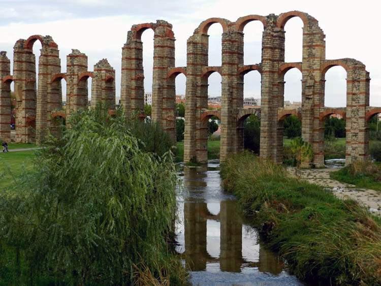 Merida Hiszpania Extramedura akwedukt de los Milagros