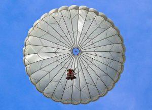 spadochron ciekawostki spadochrony skoki spadochronowe spadochroniarze