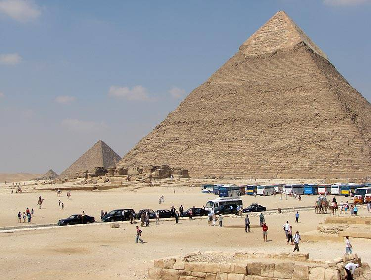 piramidy egipskie ciekawostki Giza Egipt piramida Chefrena