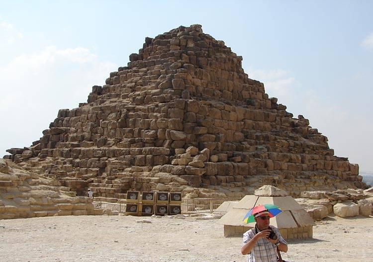 piramidy egipskie ciekawostki Giza Egipt piramida Cheopsa