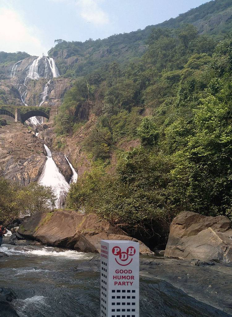 Dudhsaghar waterfall wodospad Indie Goa