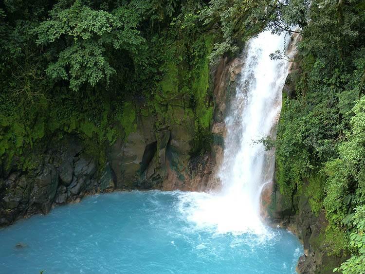 wodospad dżungla Ameryka Środkowa ciekawostki o Ameryce Środkowej