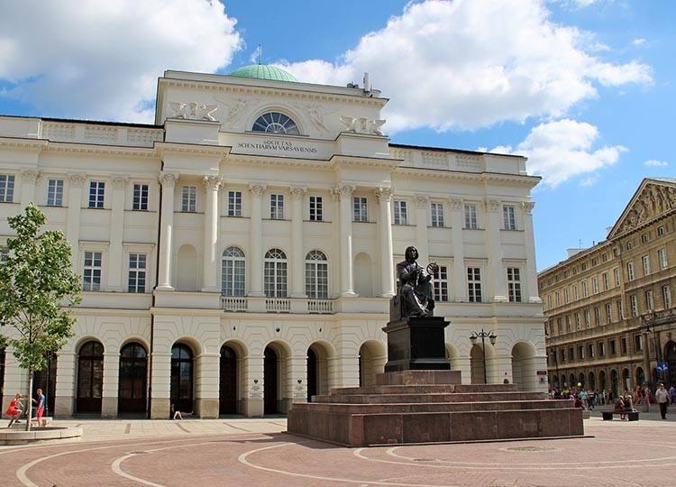 Mikołaj Kopernik ciekawostki anegdoty astronom Warszawa pomnik