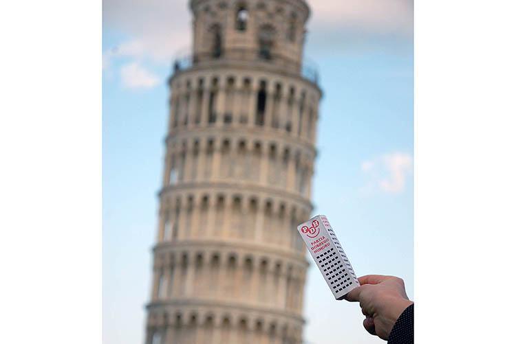 Piza krzywa wieża Włochy ciekawe miejsca ciekawostki atrakcje podróże