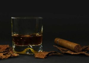 cygara jak zacząć dla początkujących whisky whiskey