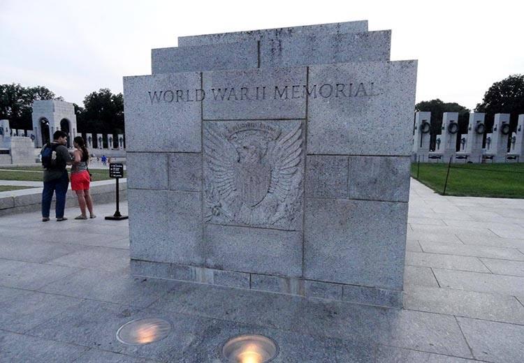 World II War Memorial Waszyngton ciekawostki