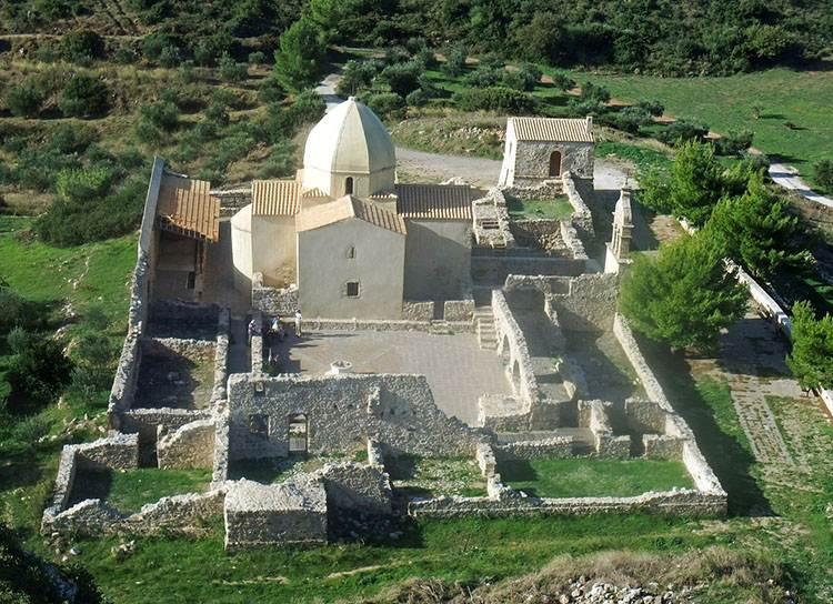 klasztor wyspa Zakynthos atrakcje Grecja wczasy wakacje