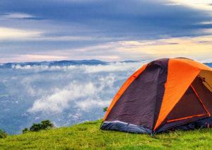 namiot turystyczny kempingowy biwak wakacje