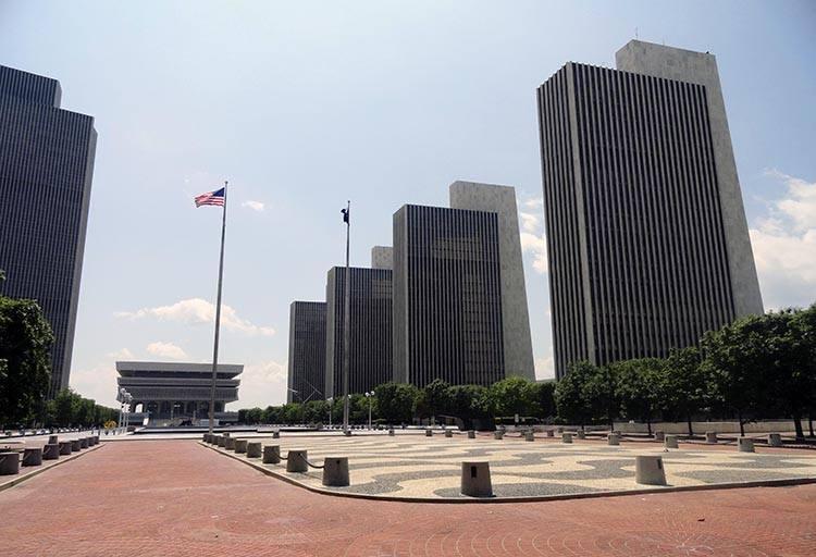 Empire State Plaza miasto Albany Nowy Jork USA ciekawostki atrakcje
