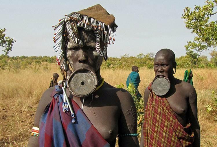 plemię Mursi kobiety Etiopia ciekawostki o Etiopii kultura ludność