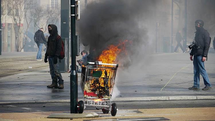 protesty uliczne strajk rodzaje strajków ciekawostki strajki przykłady historia