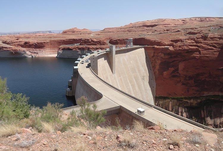 tama zapora Glenn Canyon Dam rzeka Kolorado Arizona