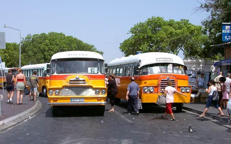 autobusy Malta ciekawostki atrakcje