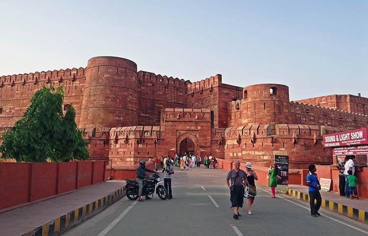 Fort Agra Indie ciekawostki atrakcje kultura zabytki