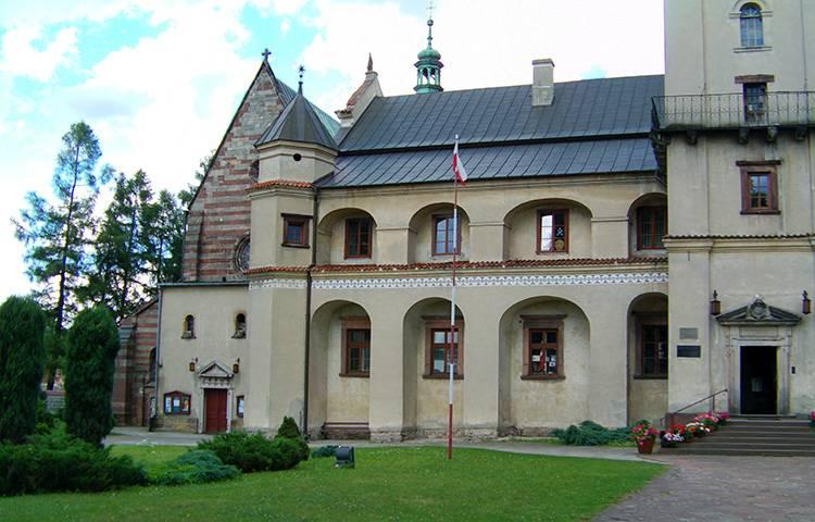 klasztor cystersów Wąchock ciekawostki atrakcje zabytki dowcipy o Wąchocku