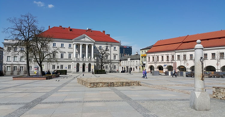 kielecki rynek atrakcje Kielc zabytki co zobaczyć w Kielcach