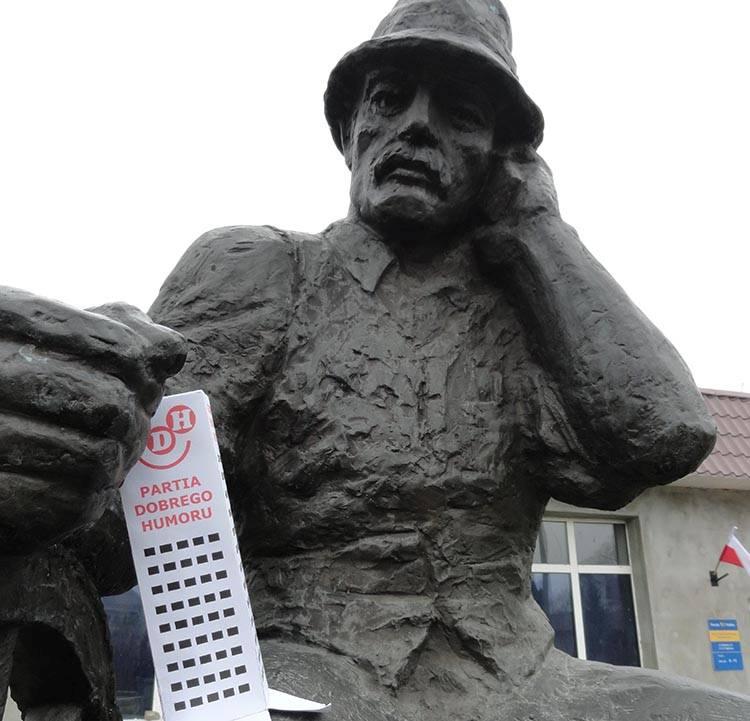 sołtys Wąchocka pomnik sołtysa Wąchock ciekawostki atrakcje zabytki dowcipy o Wąchocku