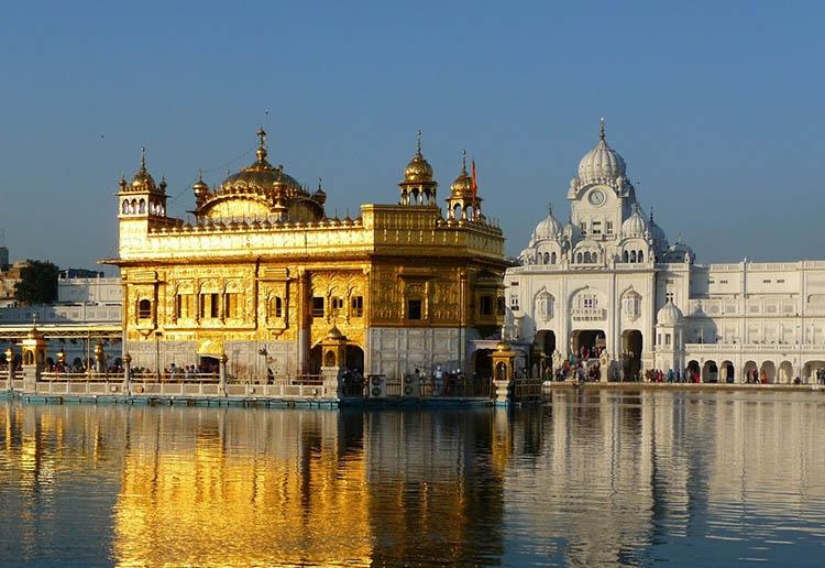 Złota Świątynia Amritsar Indie ciekawostki atrakcje kultura zabytki