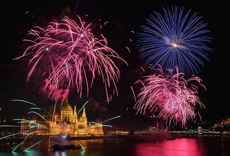 Budapeszt Węgry parlament fajerwerki ciekawostki