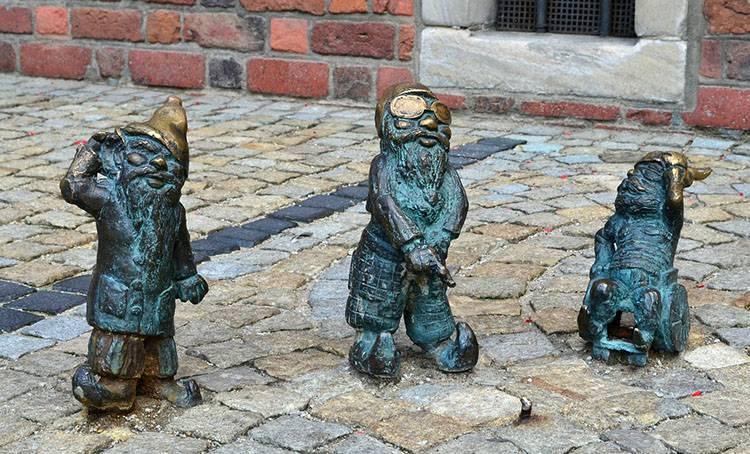 Wrocław krasnal krasnale krasnoludek krasnoludki ciekawostki elfy skrzaty