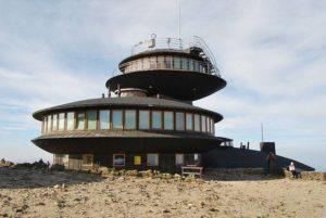 Obserwatorium Meteorologiczne Śnieżka Karpacz ciekawostki atrakcje