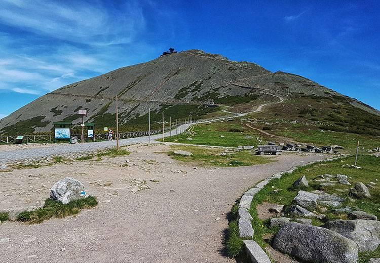 góra Śnieżka Karkonosze Karpacz ciekawostki atrakcje