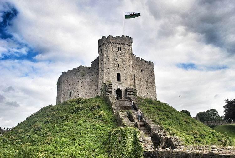Cardiff zamek Walia ciekawostki zabytki atrakcje