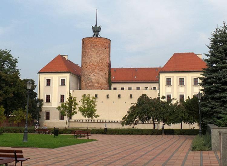 zamek Głogów ciekawostki atrakcje zabytki