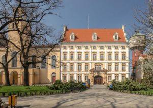 zamek Oława ciekawostki zabytki atrakcje
