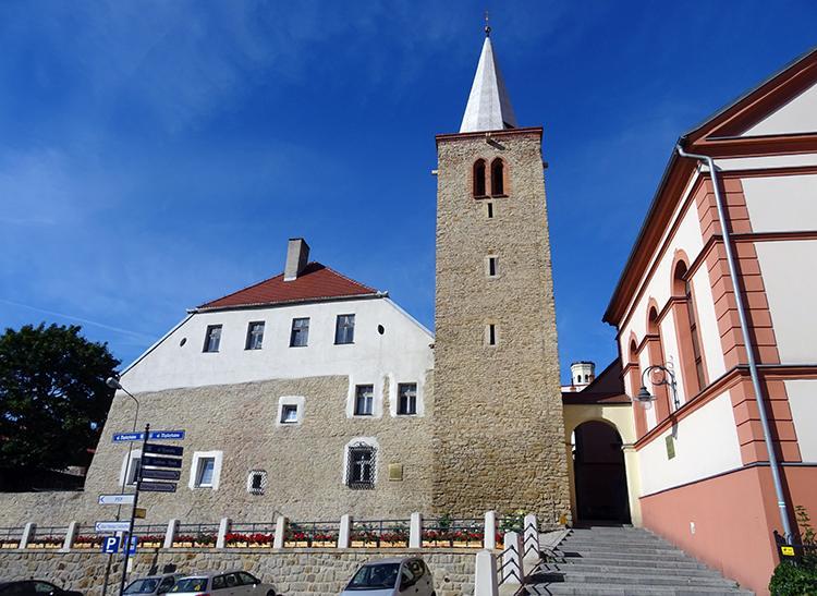 Baszta Rycerska zbór Muzeum Filumenistyczne  Bystrzyca Kłodzka ciekawostki atrakcje
