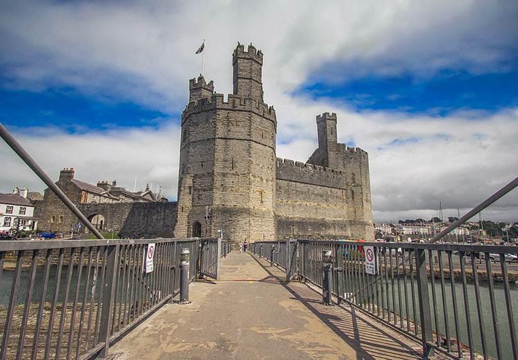 Caernafron zamek Walia ciekawostki zabytki atrakcje