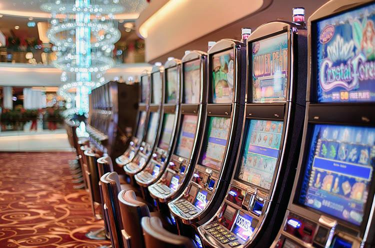 gra automaty jednoręki bandyta hazard ciekawostki kasyno