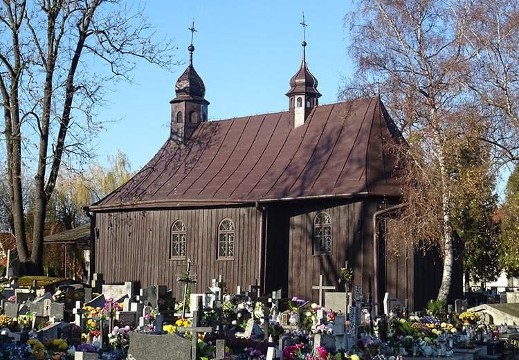 drewniany kościół św Heleny Nowy Sącz ciekawostki zabytki