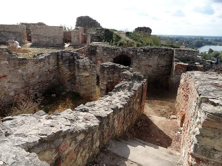 Iłża ciekawostki wieża zamek biskupów Krakowskich ruiny zamku
