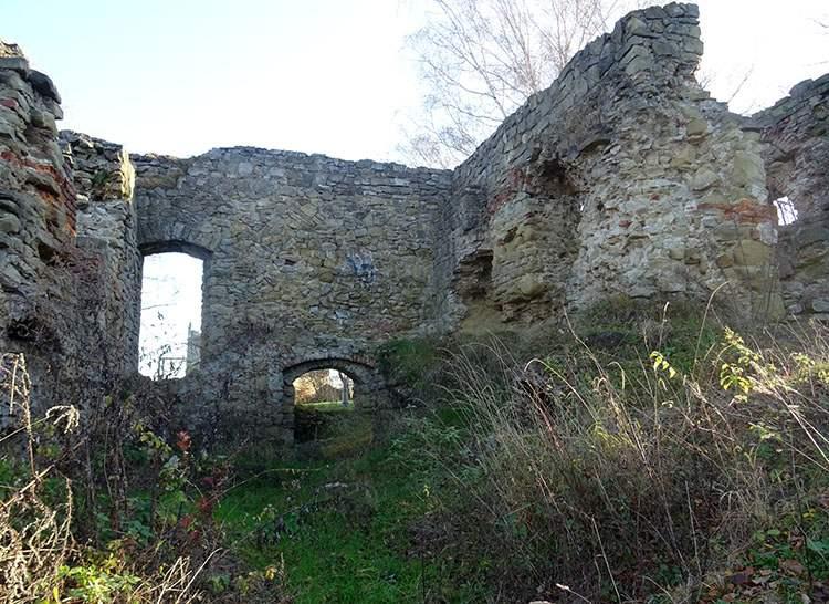 zamek ruiny Nowy Sącz ciekawostki zabytki