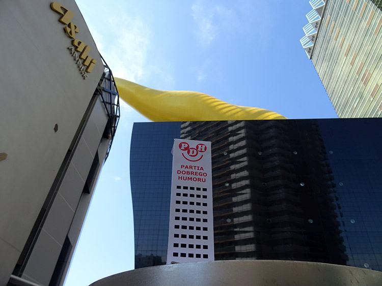 Happy Skyscraper Tokyo Japan unko biru Asashi beer Tokio Japonia