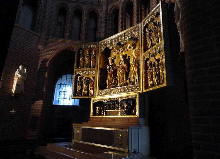 Katedra ołtarz Ostrów Tumski Poznań ciekawostki